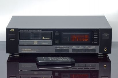 JVC XL-M403 CD changer with remote